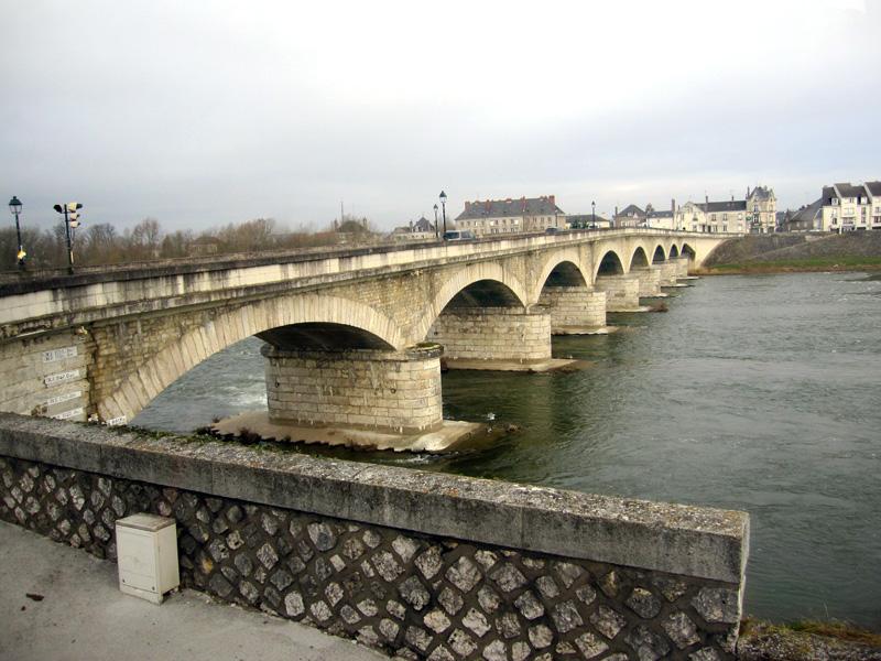 フランスへGO♪♪^^♪♪ 〜アンボワーズ城とワイン^^〜_f0119369_10545424.jpg
