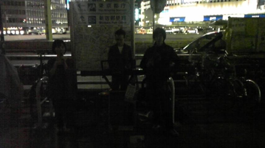 mimosa''路上ライブin新宿(京王デパート前)_a0112393_12273146.jpg