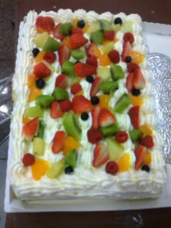 本日のスペシャルケーキ速報♪ #cake_c0069047_14266.jpg