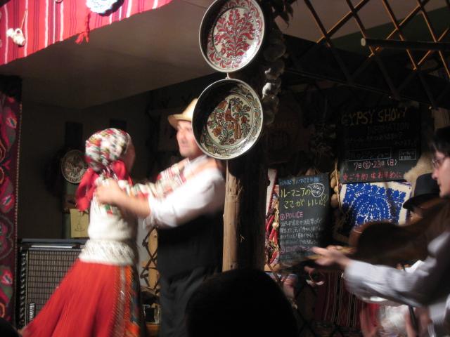 ルーマニア料理&トランシルバニアの民族舞踊ヾ(^▽^)ノ_f0109257_20305333.jpg