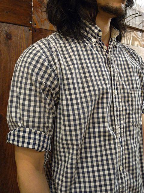 今年の夏はこのシャツで決まりですね。_f0020773_21392393.jpg