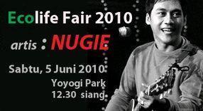 インドネシアの歌手・Nugie のコンサート@Eco Life Fair 2010(代々木公園)_a0054926_2230074.jpg