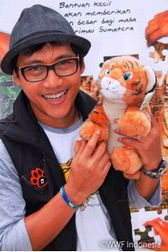 インドネシアの歌手・Nugie のコンサート@Eco Life Fair 2010(代々木公園)_a0054926_22303969.jpg