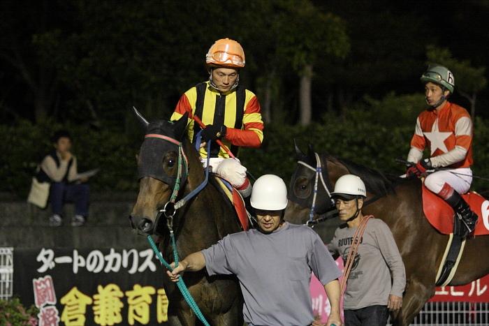 2010年5月29日(土) 高知競馬 9R 高知ぼうしパン特別 C2-1 選抜馬_a0077663_21876.jpg