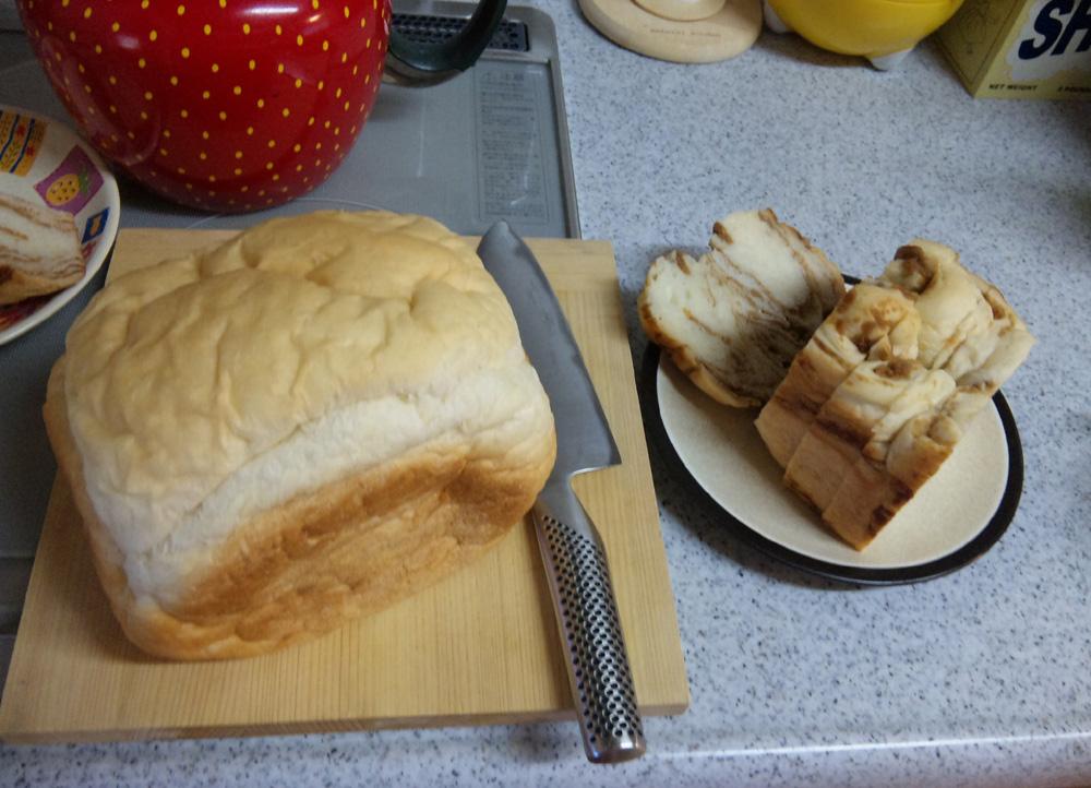 手作りパンをいただきました。_f0150893_18244038.jpg