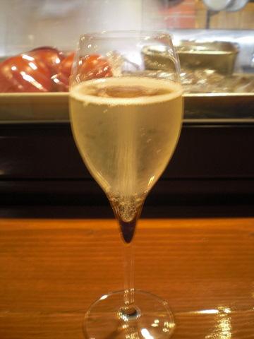 1人で気楽にワインで食事@WINE&FOOD TETE[高岳/名古屋]_c0013687_0295844.jpg
