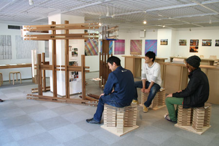 東京大学大学院木質材料学研究室展開催中です。_f0171840_13472882.jpg