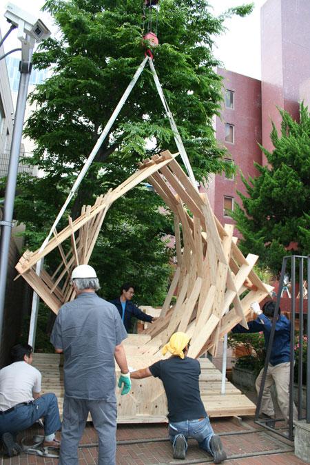 五月祭パビリオンの建て方風景(前編)_f0171840_9341741.jpg