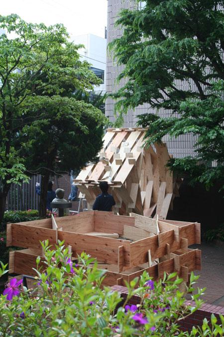 五月祭パビリオンの建て方風景(前編)_f0171840_9351363.jpg