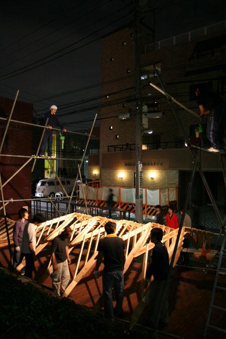 五月祭パビリオンの建て方風景(前編)_f0171840_9372149.jpg