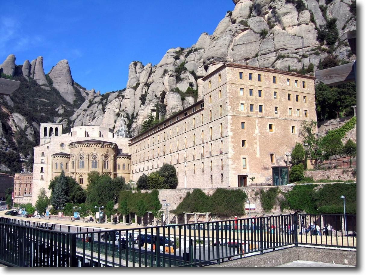 モンセラート修道院/バルセロナ郊外 : 男の庭造り