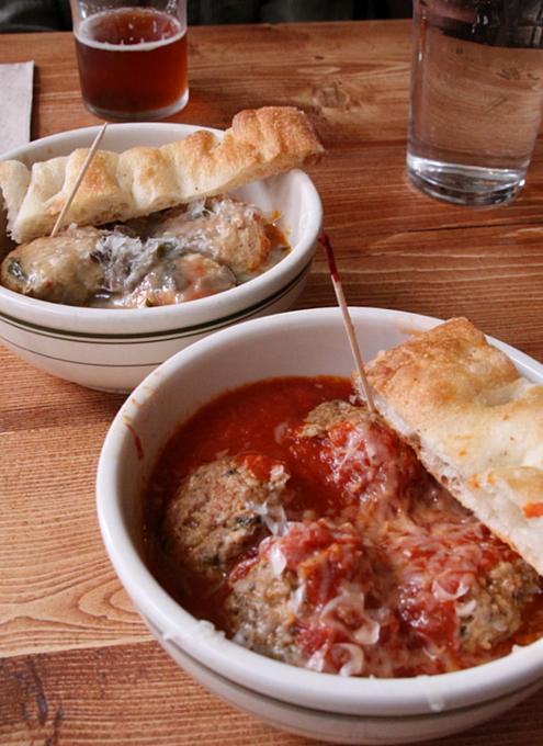NY No1のミートボール・レストラン-THE MEATBALL SHOP_b0007805_1574330.jpg