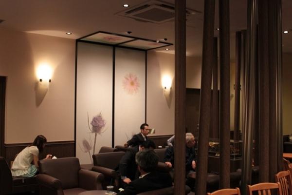TULLY\'Sの新規オープン店に越前和紙!_f0229508_965541.jpg
