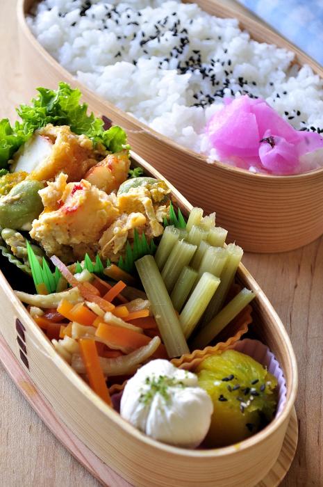 海老玉とふきの煮物のお弁当_b0171098_8183390.jpg
