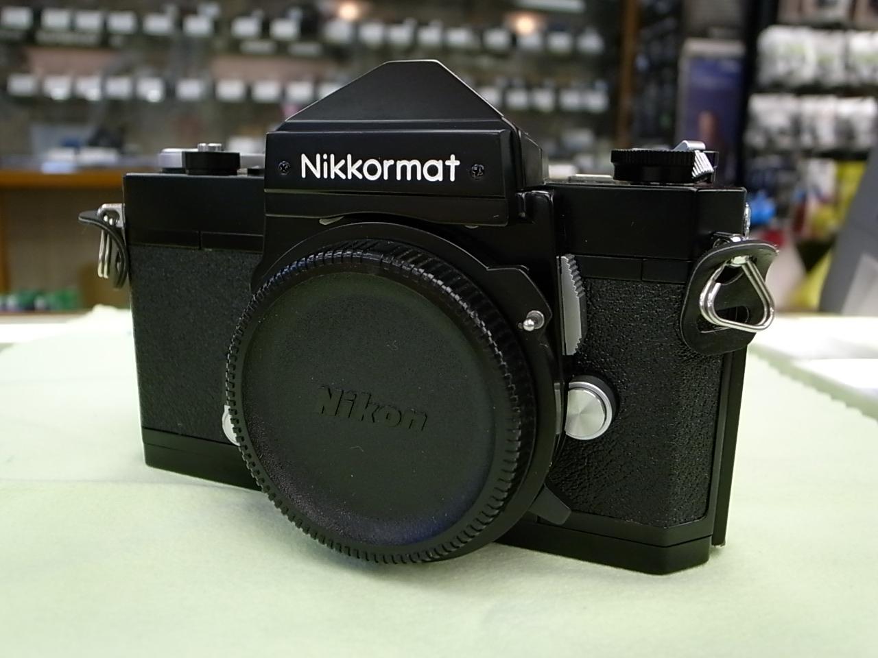 一見ふつうのニコマートFTN黒ですがよくみると海外バージョンのニッコール... 大貫カメラ bl