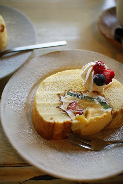 パサリーノ、カフェで誕生日を祝う_f0149855_2142499.jpg