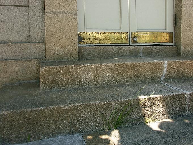 旧神戸銀行山本支店_f0116479_1552353.jpg
