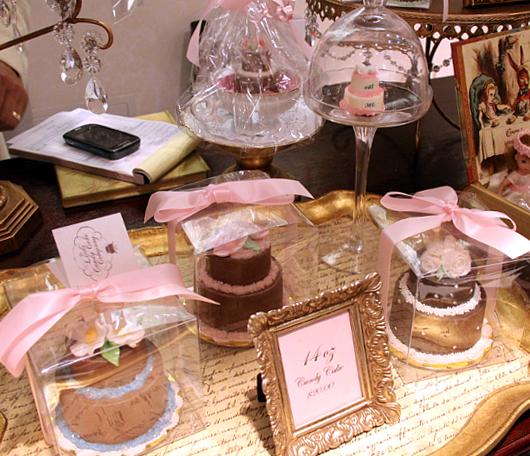 手のひらサイズのチョコケーキ屋さん The Little Candy Cake_b0007805_1185841.jpg