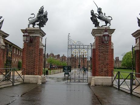 Hampton Court Palace(ハンプトン・コート・パレス)_c0079828_16595323.jpg