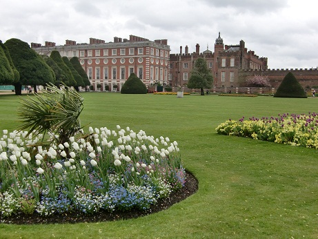 Hampton Court Palace(ハンプトン・コート・パレス)_c0079828_1864658.jpg