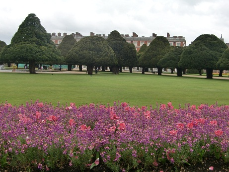 Hampton Court Palace(ハンプトン・コート・パレス)_c0079828_1871536.jpg