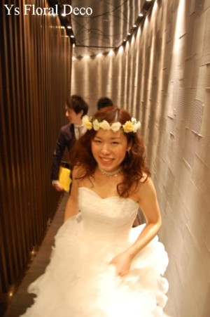 白とクリーム色の花冠_b0113510_200926.jpg