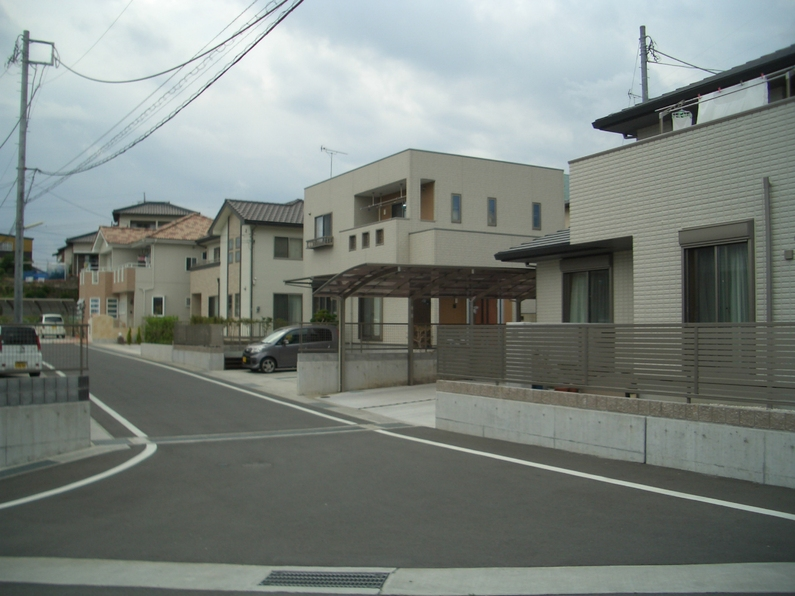 高齢化が進む「かつての」新興住宅地_f0141310_23413181.jpg