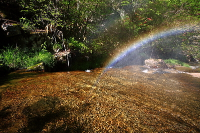 遠野不思議 第六百六十五話「虹の発生する沢」_f0075075_20131414.jpg