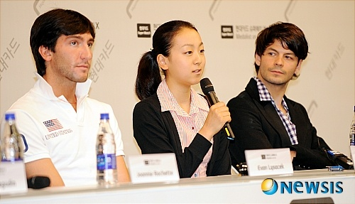 ステキな写真が多いので -浅田真央選手、現代スーパーマッチ出演_b0038294_8424021.jpg