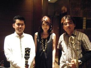 Live at PRONTO博多駅大博通り店♪2010.6.7_c0139321_2263271.jpg