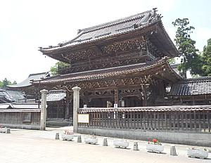 富山の「龍女食堂」で_f0197821_9292840.jpg