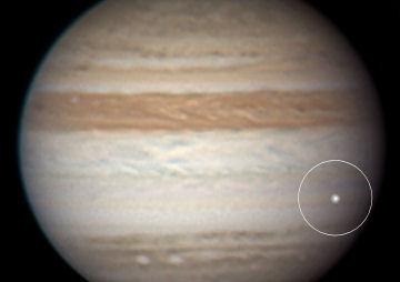 木星に何かが衝突した?_c0061727_1518761.jpg