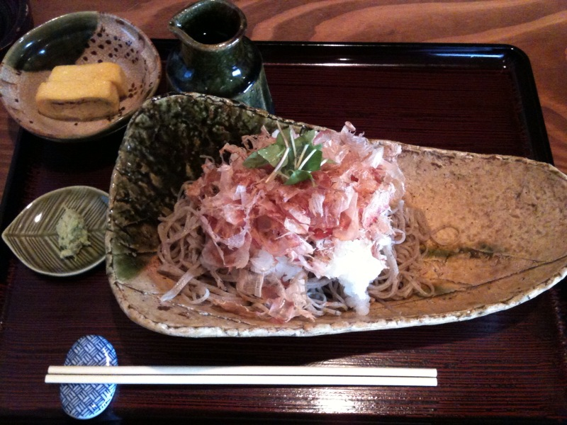 「玄子(くろこ)」の蕎麦_d0166534_17203261.jpg