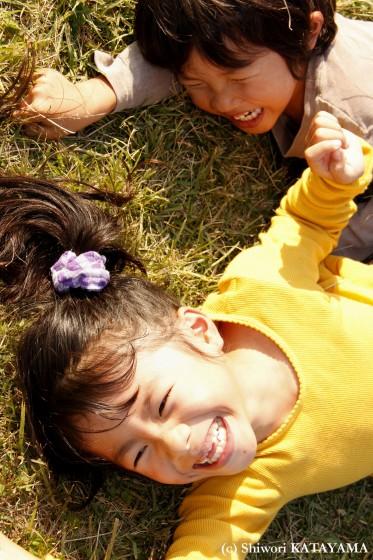 外でのびのび☆いつもの公園でパシャ!_d0170980_22405184.jpg