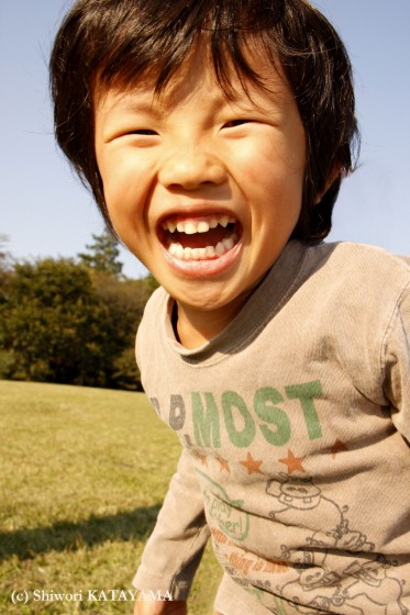 外でのびのび☆いつもの公園でパシャ!_d0170980_22505464.jpg