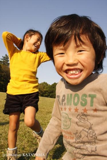 外でのびのび☆いつもの公園でパシャ!_d0170980_22514364.jpg