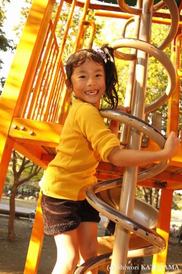 外でのびのび☆いつもの公園でパシャ!_d0170980_23123499.jpg