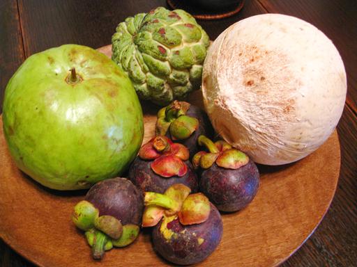 グァバ、シャカトウ、ココナッツ、マンスチン