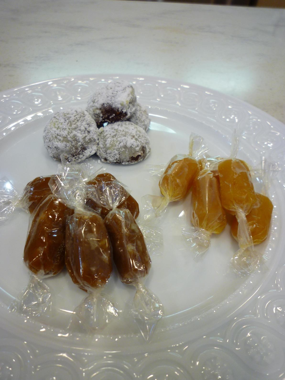 杏のキャラメルとルシアンティーケーキ_b0170162_16482649.jpg