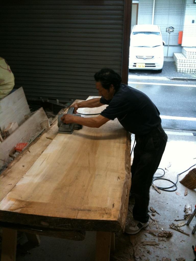 ダイニングテーブルは大きく_a0148909_10313668.jpg