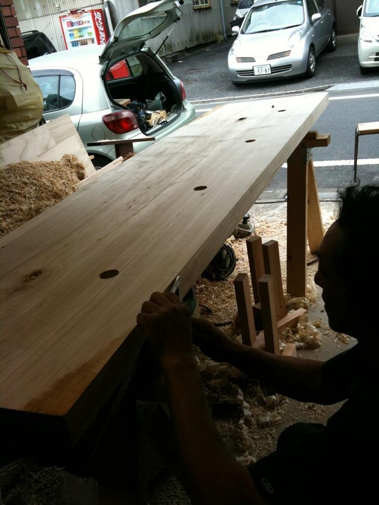 ダイニングテーブルは大きく_a0148909_10325630.jpg