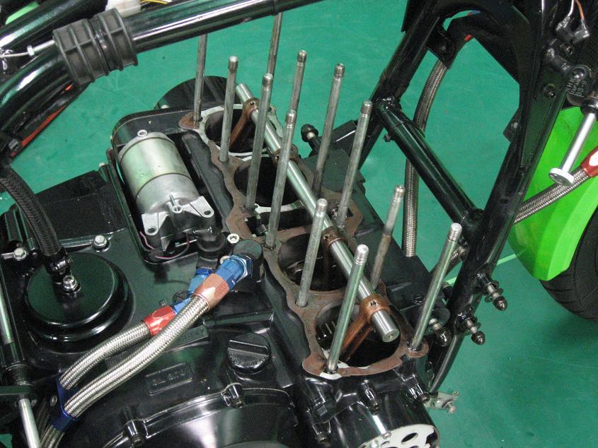 R-1 エンジン!!!_f0231916_0152172.jpg