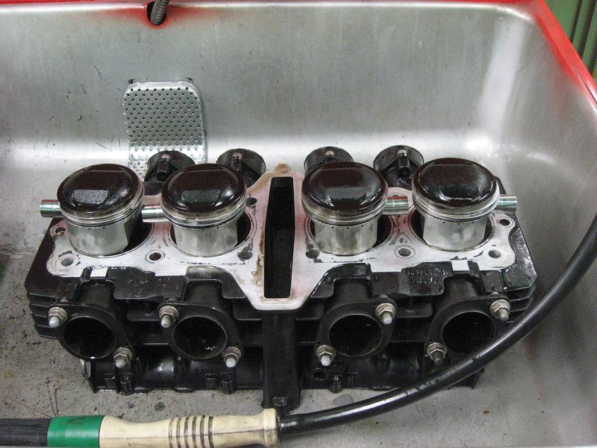 R-1 エンジン!!!_f0231916_0184850.jpg