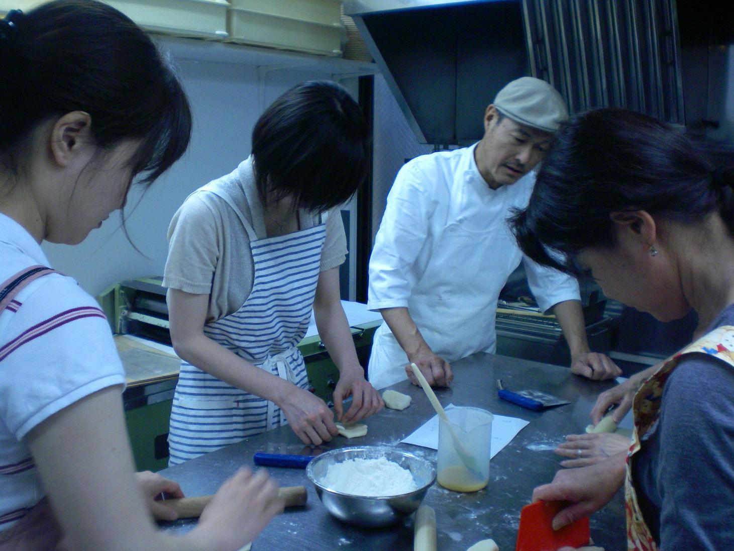 パン作り体験教室好評でした_c0172969_21415512.jpg
