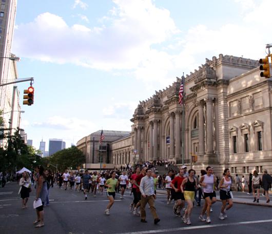 NY最大の美術館通りのお祭り Museum Mile Festival 2010_b0007805_12365453.jpg