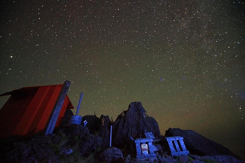 早池峰山頂の夜_f0075075_13123624.jpg