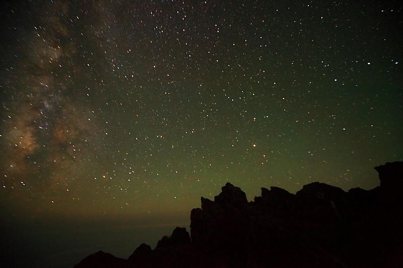 早池峰山頂の夜_f0075075_1313412.jpg
