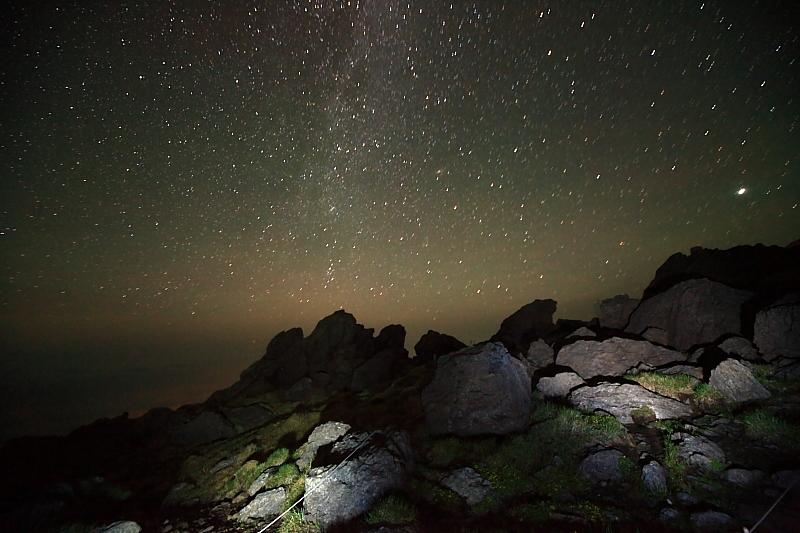 早池峰山頂の夜_f0075075_1314366.jpg