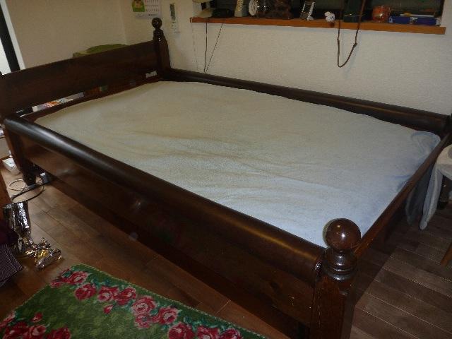 ベッドの枠の張り替え修理_b0054727_11492.jpg