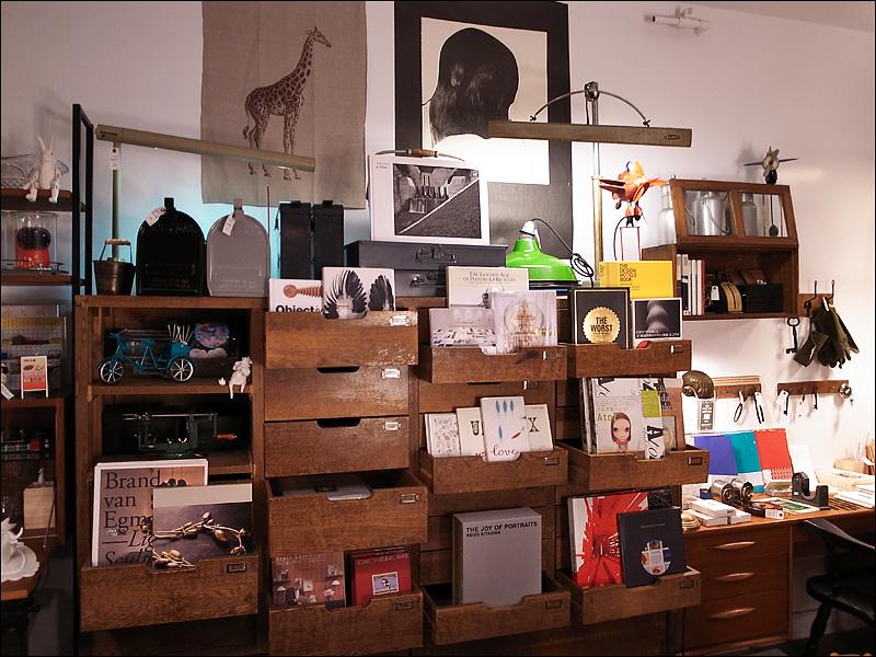 VVG Something 好樣本事──巷弄中的設計書店_c0073742_1941218.jpg
